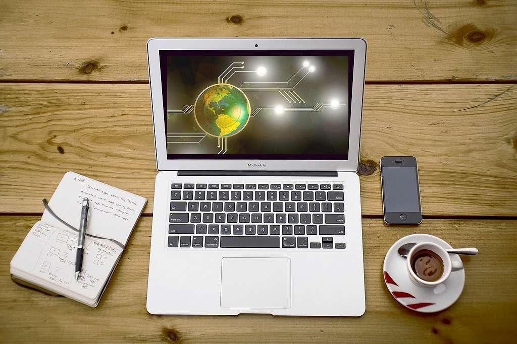 Paper Wallet, Online wallet oder hardware wallet. Es kommt auf die Anforderungen an. (Foto: Free-Photos; pixabay.com/ Montage: tom/dkf)